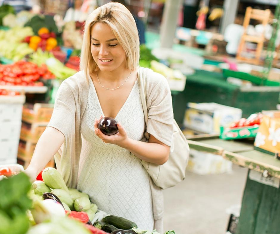 Le donne e il biologico attente nell'acquisto