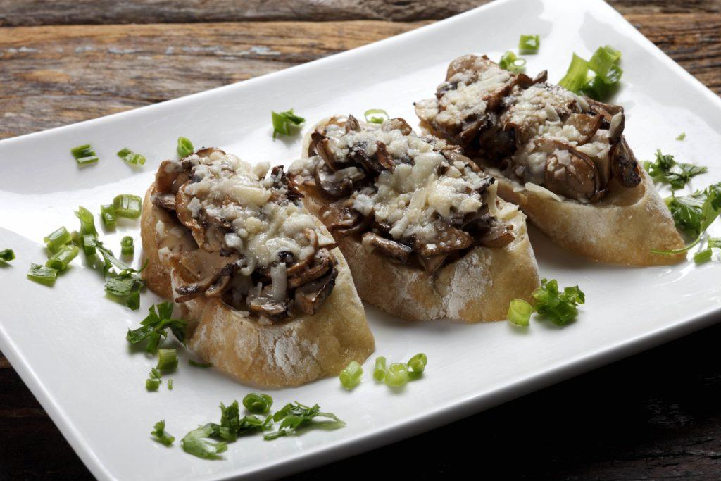 Crostini ai funghi | Asiago Food